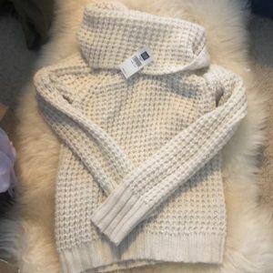 BNWT Gap White Sweater - XS